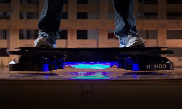 High-tech skate parks Hoverboard