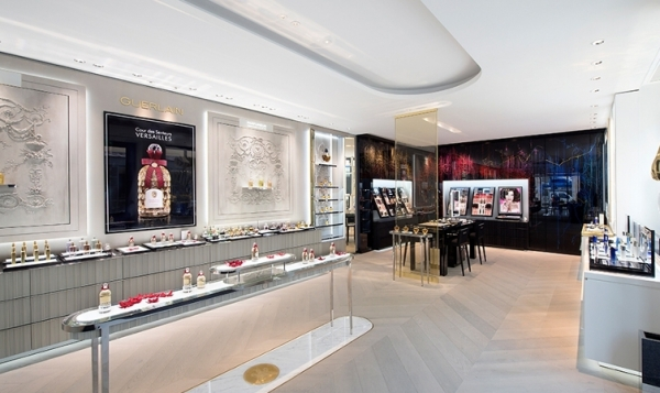 A new Guerlain Boutique in the Cour des Senteurs at Versailles